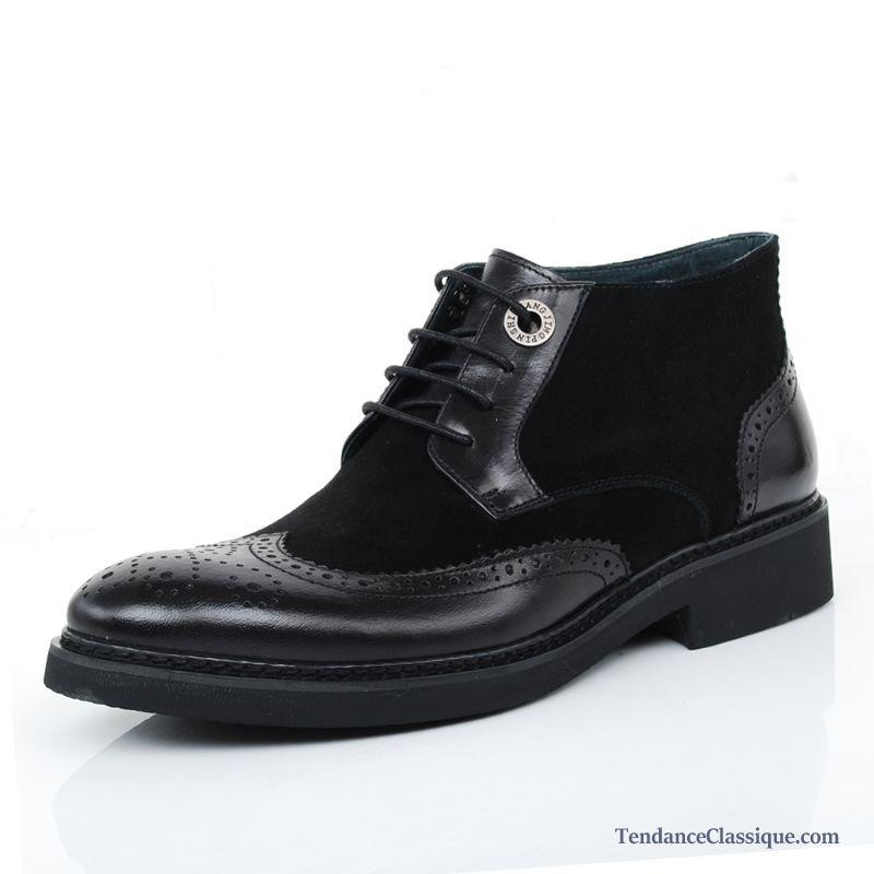 Découvrez les Boots et bottines Ugg Classic Mini Ii pour Femme en Noisette. Ces Boots et bottines en Nubuk se composent d'une tige en Cuir Nubuck et d'une hauteur de talon de 2 cm. Offrez vous Ugg pour seulement €!