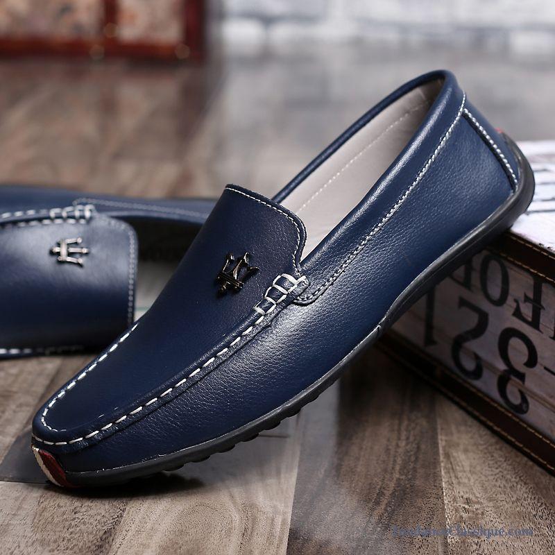 Les mocassins Damart pour homme: des modèles conçus pour un confort optimal et un grand plaisir de marche.